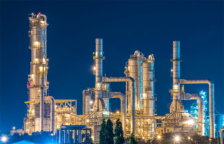 Industrial-site-lights-at-night-720x465