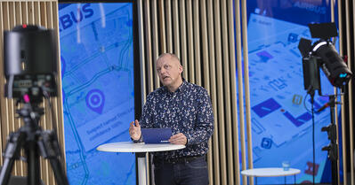 Igor Vinogradoff hosting the Experts on webinars by Airbus