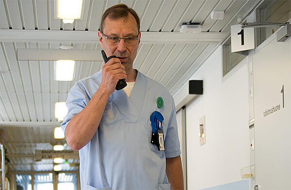 Nurse uses a TETRA radio in hospital environment