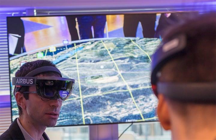 Futuristic-scene-with-virtual-glasses-720x465