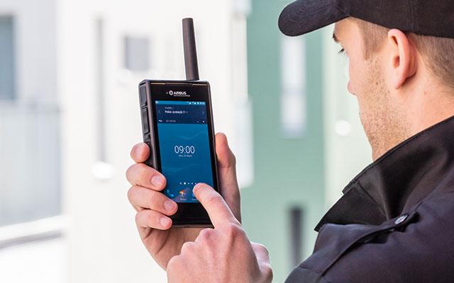 Tactilon Dabat is both a smartphone and a TETRA radio