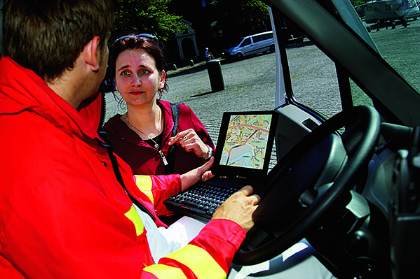 Map-application-in-a-vehicle-640px-wide