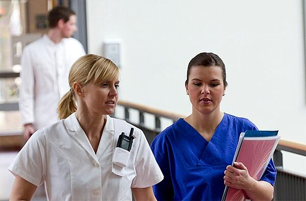Nurses-in-a-hospital-one-carrying-TH1n-640x420