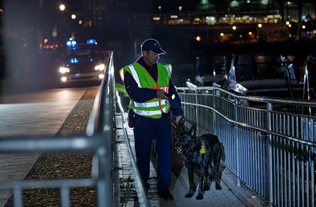 Police-at-night_640x420.jpg