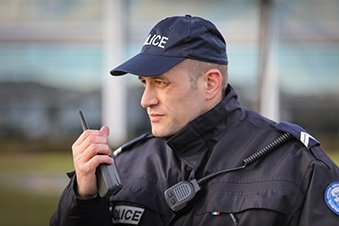 French-police-uses-TPH900-Tetrapol-radio-339x229