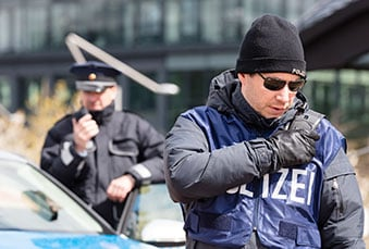 German police officer with Tactilon Dabat device