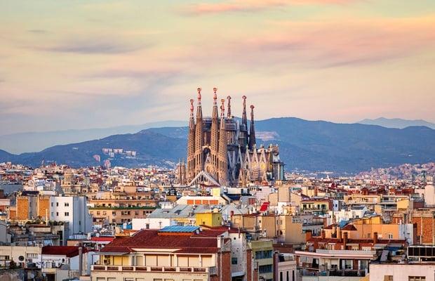 Barcelona-iStock-875273240